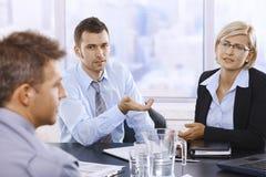 Профессионалы на обсуждении Стоковые Изображения