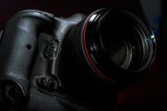 Профессиональная камера фото цифров DSLR Стоковая Фотография RF