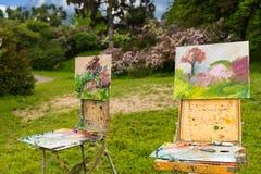 2 профессиональное artist& x27; sketchbooks s в парке Стоковые Фотографии RF