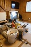 Профессиональные инструменты и материалы работы стоковые фото