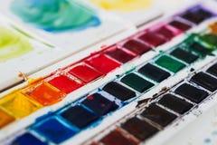 Профессиональные краски aquarell акварели в острословии коробки Стоковые Фото