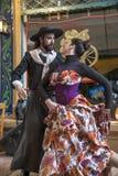 Профессиональные танцоры танцуют 'chakarera' на улице Caminito внутри Стоковое Изображение RF