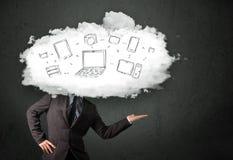 Профессиональный бизнесмен с головой сети облака Стоковое Фото