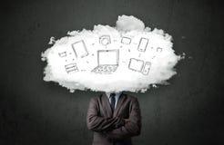 Профессиональный бизнесмен с головой сети облака Стоковое фото RF