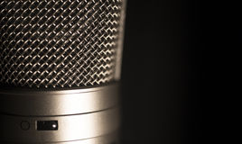 Профессиональный большой микрофон записи голоса студии диафрагмы Стоковые Изображения