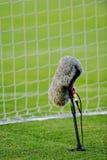 Профессиональный микрофон на футбольном поле Стоковая Фотография