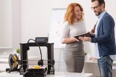 Профессиональный принтер 3d стоя на таблице Стоковая Фотография