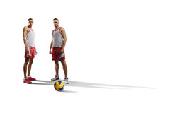 2 профессиональных волейболиста изолированного на белизне Стоковое Изображение