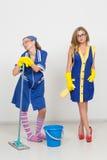 2 профессиональных уборщика сексуальная busty девушка и Стоковые Фотографии RF