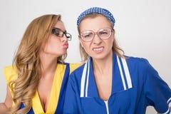 2 профессиональных уборщика сексуальная busty девушка и Стоковые Изображения