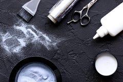 Профессия парикмахера отборная цвета волос на темной предпосылке Стоковая Фотография RF