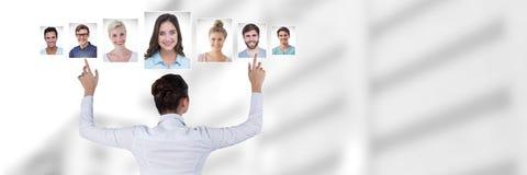 Профили портрета женщины касающие различных людей Стоковые Фотографии RF