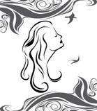 Профиль девушки на предпосылке моря Стоковая Фотография