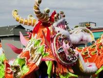 Профиль китайской головы дракона Outdoors проходит парадом Стоковое Изображение RF