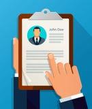 Профиль CV владением рук Выберите бизнесменов для того чтобы нанять Стоковое Изображение RF