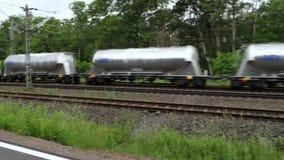 Проходящ перевозку и пассажирские поезда - отслеживать съемку видеоматериал
