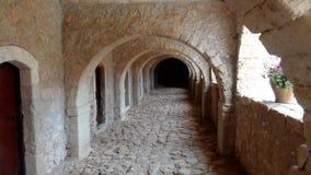 Проход в монастыре стоковое изображение rf