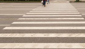 Проход пешеходного перехода на дороге Стоковое Изображение
