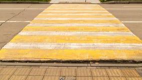 Проход пешеходного перехода на дороге Стоковое фото RF