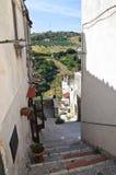 Проход. Vico del Gargano. Puglia. Италия. Стоковая Фотография RF