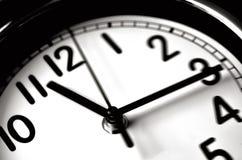 Проходить времени - настенные часы Стоковые Изображения RF