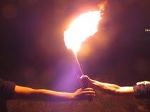 проходить факел Стоковые Фото