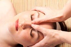 процедура по массажа Стоковая Фотография RF