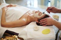 Процедуры по Skincare в КУРОРТЕ стоковые изображения rf