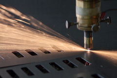 Процесс вырезывания лазера Стоковые Фото