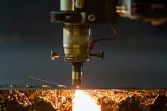 Процесс вырезывания лазера Стоковое Фото