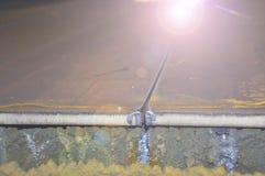Процесс вырезывания металла использующ автомат для резки плазмы стоковые изображения rf