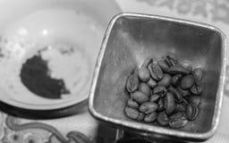 Процесс делать кофе Стоковое фото RF