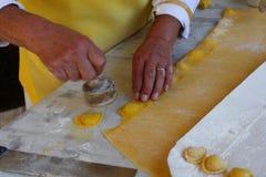 Процесс подготовки равиоли Стоковые Фото