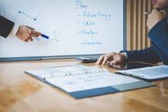 Процесс сыгранности, команда дела маркетинговый план представления Стоковое Изображение RF