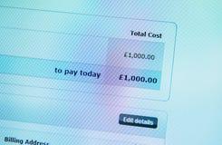 Процесс электронной оплаты 1000 фунтов Стоковое Фото