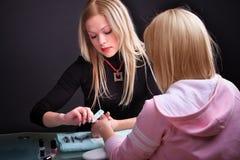 процесс manicure Стоковые Фотографии RF