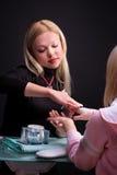 процесс manicure Стоковая Фотография