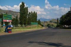 Продавать апельсины в Clarens, освободившееся государство, Южная Африка Стоковые Изображения RF