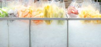 Продавать тележки плодоовощ Стоковое Изображение