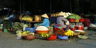 Продавец в рынке стоковое изображение rf