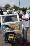 Продавец еды в Flacq, Маврикии Стоковые Фото