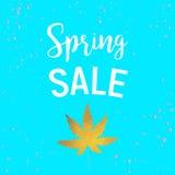 Продажа весны листовых золот с точками Стоковое Изображение