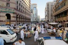 Продажа в улицах Medina стоковые изображения