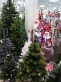 Продажа рождества, Санта Клаус, рождественские елки Стоковые Фотографии RF