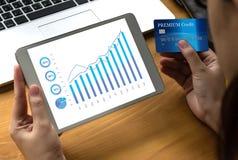 Продажи дело много диаграмм и диаграмм увеличивают доли Co дохода Стоковое фото RF