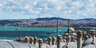 Пролив Bosphorus от верхней крыши стоковые изображения rf