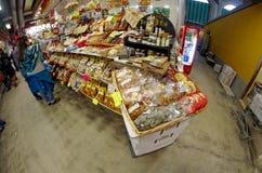 Продовольственный рынок Gran Mercato около San Lorenzo в Firenze Флоренсе, Италии Стоковое фото RF