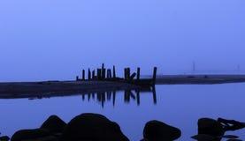 Пролом дня в реке стоковые изображения