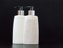 2 продукта красоты бутылки насоса Стоковое Фото