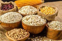 продукты, зерна и хлопья земледелия Стоковое Фото